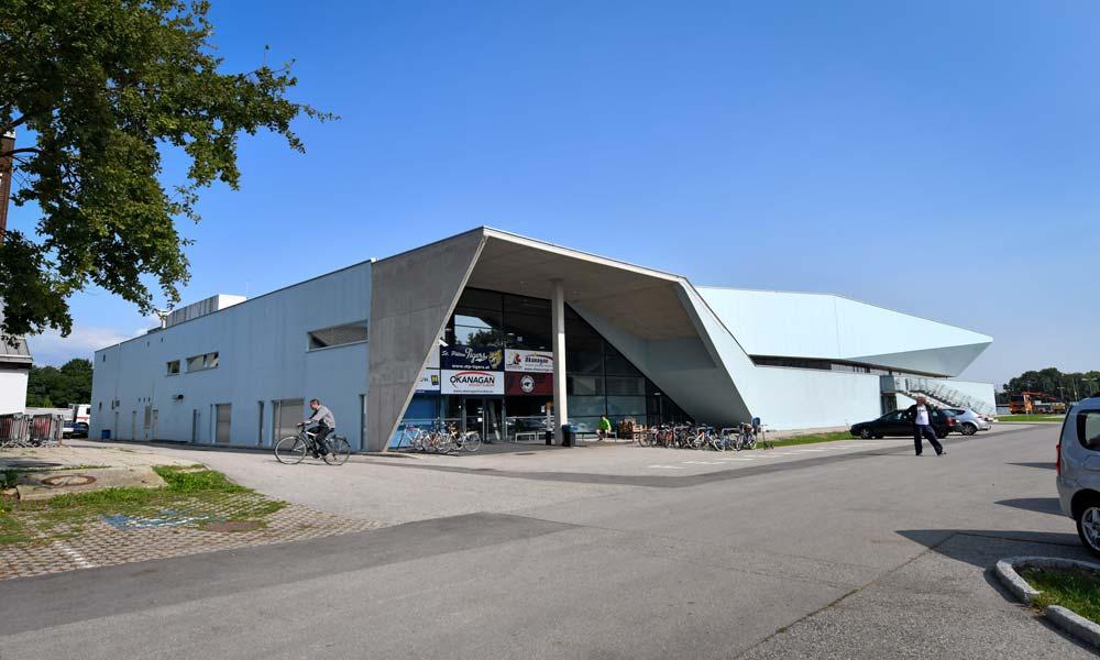 Sportzentrum NÖ, Eissporthalle