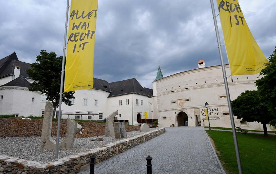 Poeggstall, Schloss Rogendorf